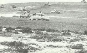Sherman-Panzer bereiten sich zum Angriff vor
