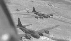 B-17F auf dem Weg zu ihrem Ziel in Italien