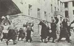 Einwohner von Brjansk begrüßen die Rote Armee.