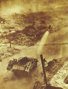 SdKfz 251 feuert gerade eine 28/32-cm-Rakete ab