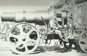 Verladener 30,5-cm-Skoda-Mörser