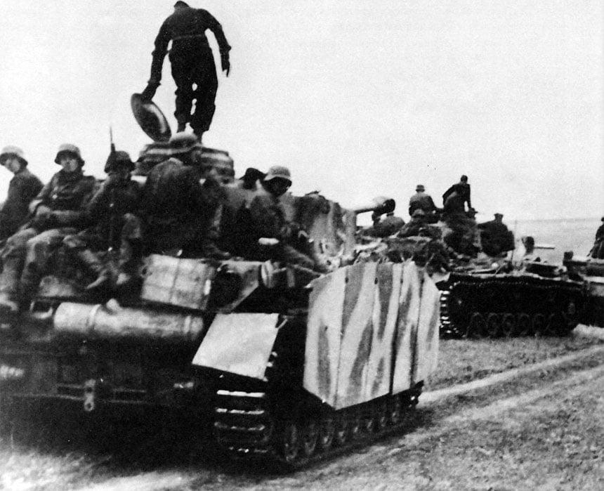Panzer und Grenadiere der Totenkopf
