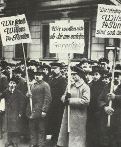 Deutsche Demo gegen Versailles
