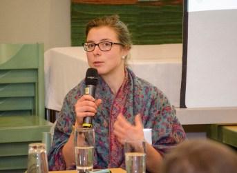 Sophie Hinger bei der Podiumsdiskussion