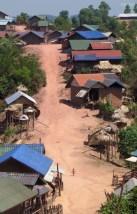 Im Dorf der Akar