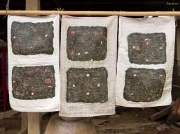 Seegras flachgeklopft, getrocknet und wird wie Chips gegessen