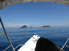 Bei den Inseln da hinten Schnorcheln wir