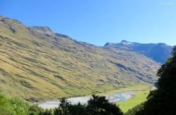 Man sieht hier sehr gut wie der Gletscher am Berg entlang geschrammt ist
