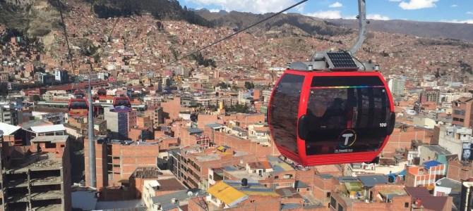 La Paz – Stadt der Extreme mit Seilbahn, Luxusknast und Lamaföten