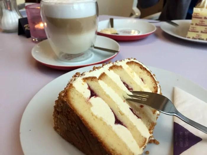 Celle-Cafe-Baxmann-Museumscafe-Frankfurter-Kranz-weltreize