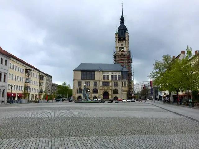 Dessau Rathaus und Platz