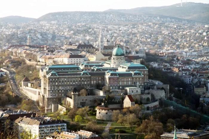Blick-auf-Burgviertel-Budapest