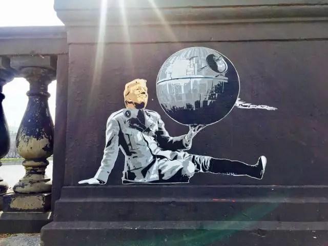 Hamburg-Kennedybruecke-Streetart-Trump - 1