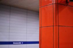 Rot, U-Bahn-Halt Giselastraße
