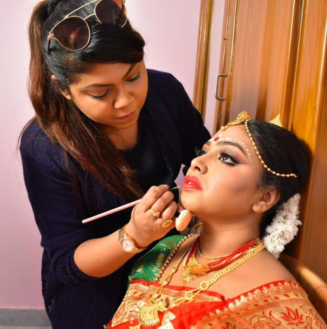 Bengali Eye Makeup Rups Makeover Bridal Makeup Artist Kolkata West Bengal Indian