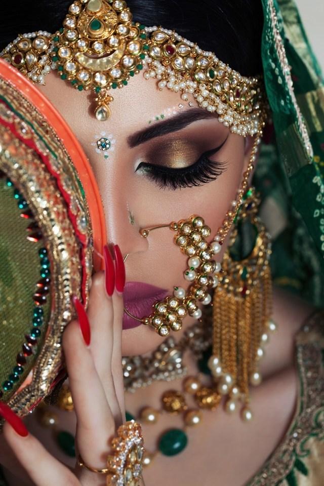 Bridal Eyes Makeup Pictures 10 Eye Makeup Tips For A Glamorous Bride Oyo Hotels Travel Blog
