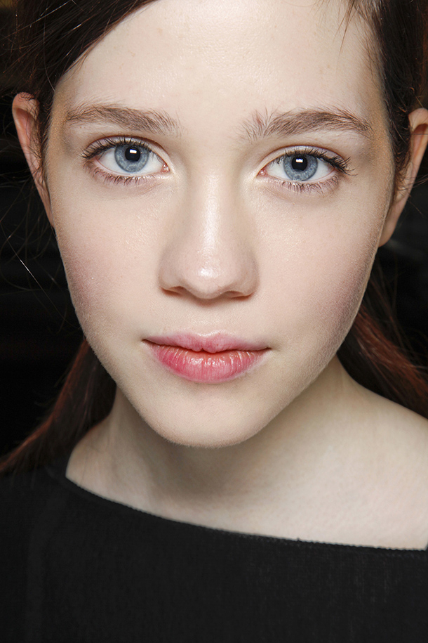 Eye Makeup For Pale Skin 5 Things To Try For Flawless Fair Skin This Summer Stylecaster