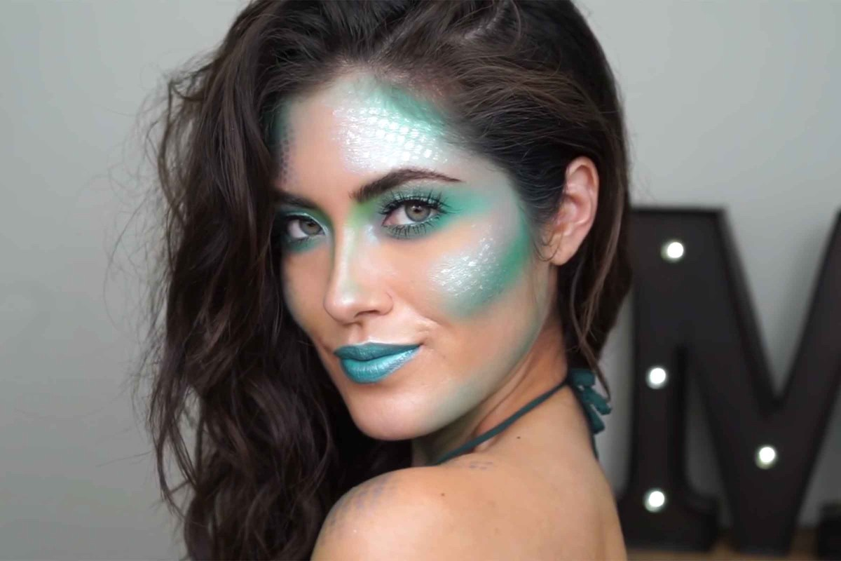 Eye Makeup With Turquoise Dress Easy Halloween Makeup Ideas Anyone Can Master Readers Digest