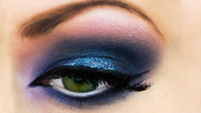 How To Do Makeup For Blue Eyes Blue Smokey Eyes Makeup Dos Youtube