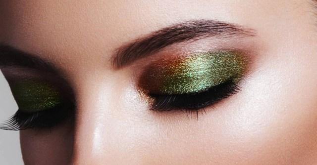 How To Do Perfect Eye Makeup Eyeshadow Application Tips For Beginners Glamour Uk