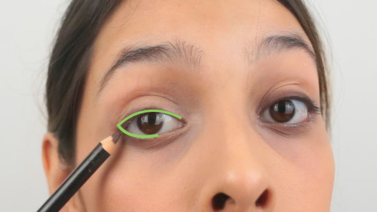 How To Put Eye Makeup On Small Eyes 3 Ways To Put Eyeliner On Small Eyes Wikihow
