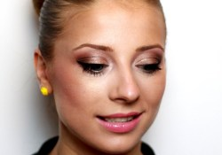 Makeup For Blue Eyes Blonde Hair Romantic Makeup For Blue Eyes And Blonde Hair Youtube