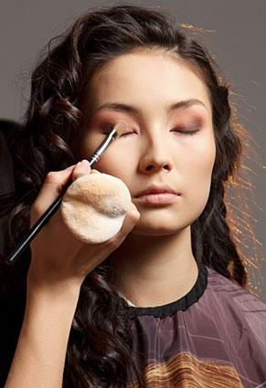 Makeup For Small Asian Eyes Asian Eye Makeup Tips Lovetoknow