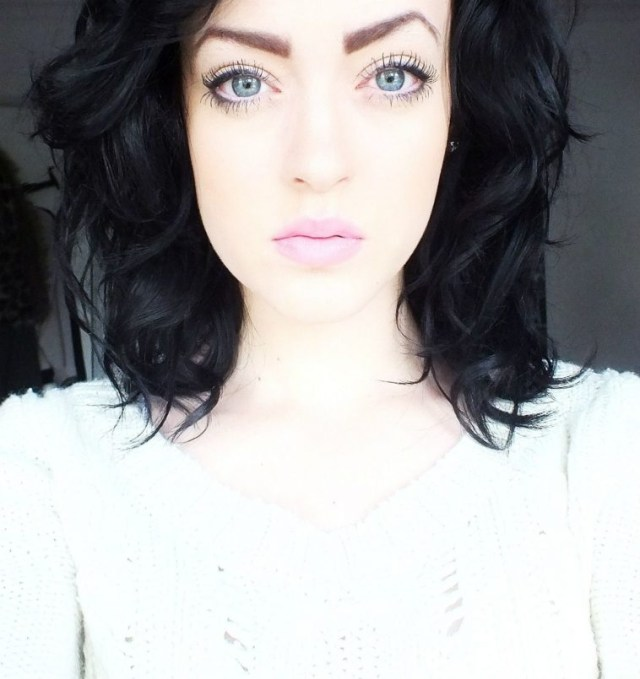 Makeup Pale Skin Blue Eyes Makeup Pale Skin Blue Eyes Light Brown Hair Wavy Haircut