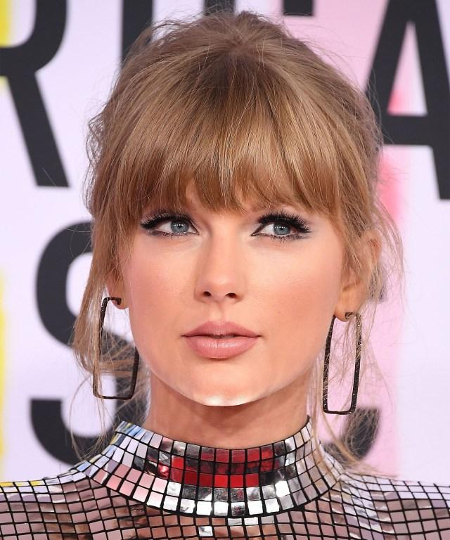 Modern Cat Eye Makeup Taylor Swift 2018 Amas Makeup And Hair Cat Eye