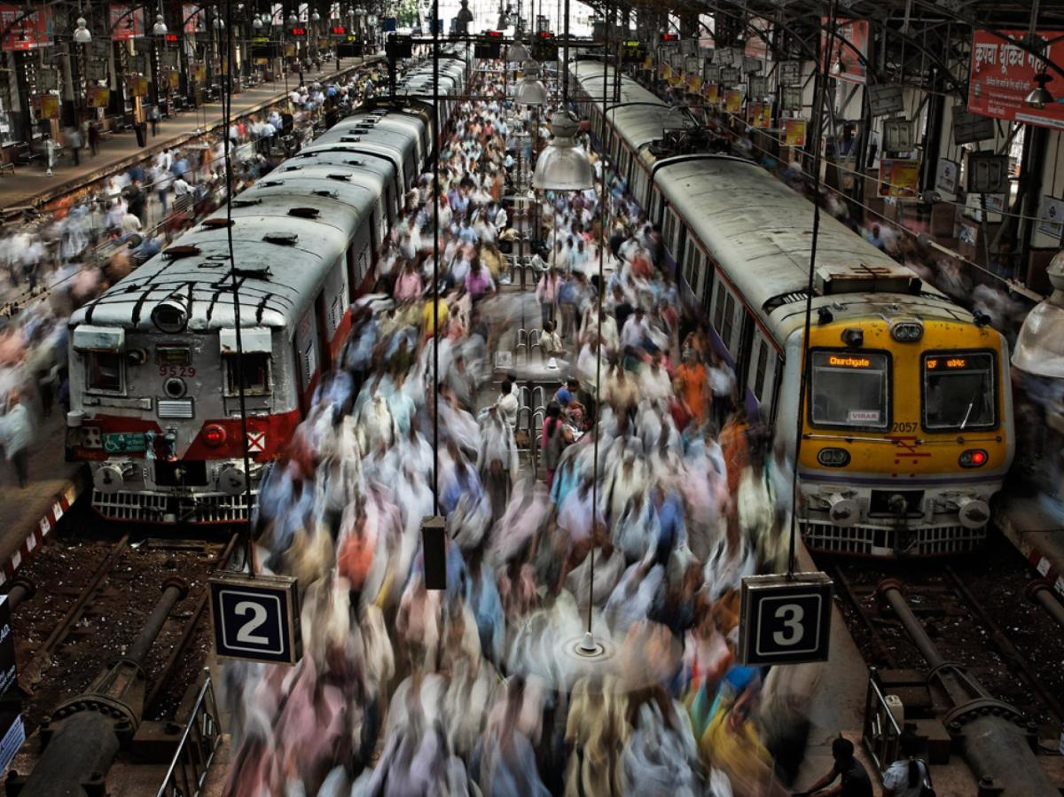 Churchgate Railway Station Mumbai.jpg