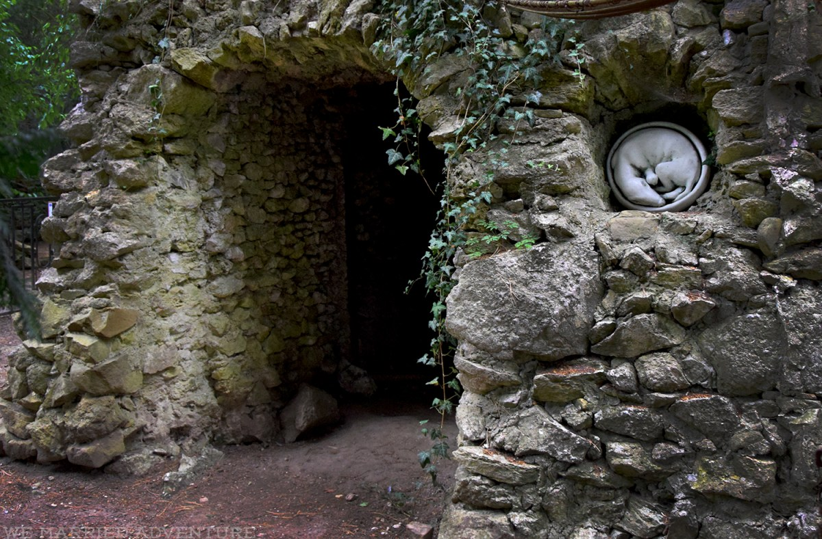 garden_dog_grave_wm.jpg