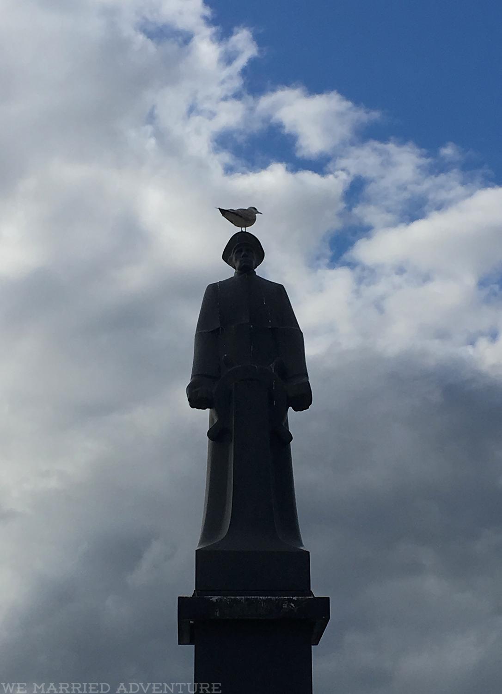 statue01_wm