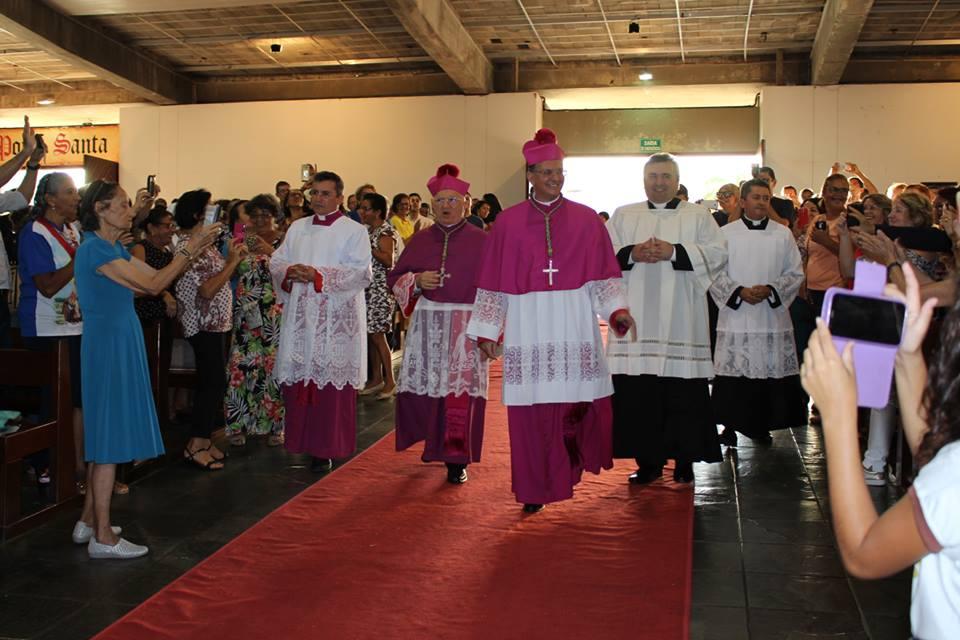 Zenaide Maia participa de ordenação episcopal de Dom Edilson Soares