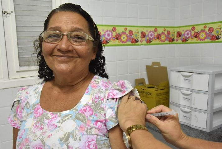 Saúde de São Gonçalo intensifica trabalho para atingir meta da vacinação contra a gripe