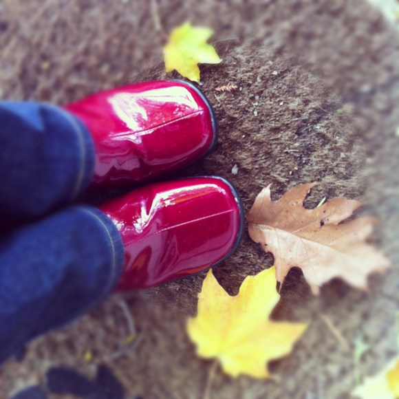 candy-apple-red-shoes