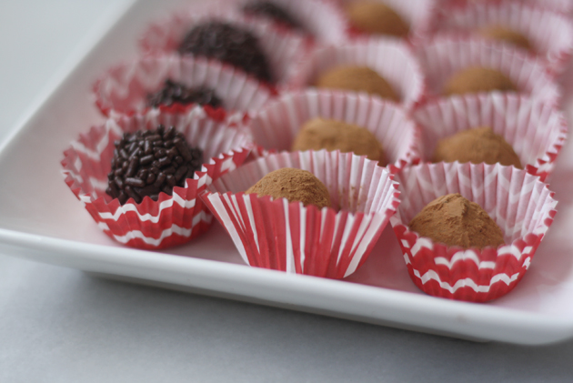 balsamic-chocolate-truffles-close-up