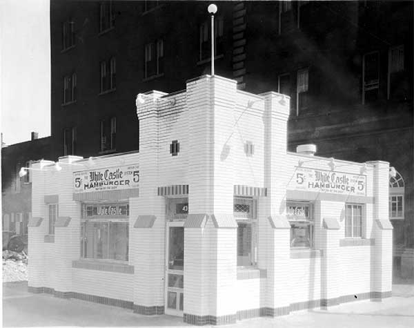 White Castle at Cermak and Wabash in 1929