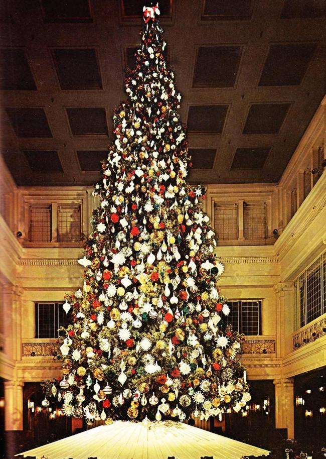 The Walnut Room & The Great Tree at Marshall Field\'s | WendyCity
