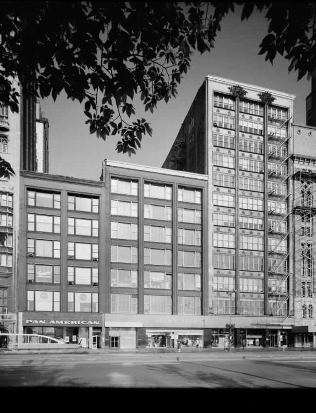 Gage_Buildings_-_Chicago,_Illinois