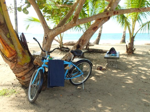 La bicicleta on the beach at Manzanilla