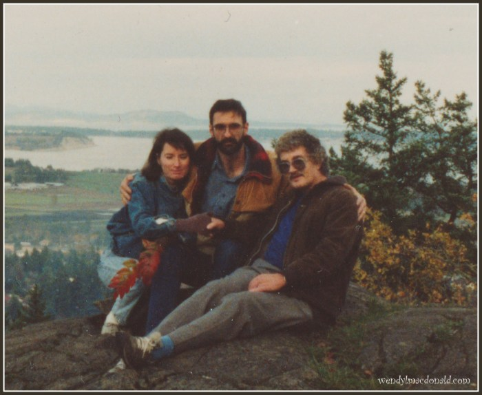 At My Father's Table: A Favorite Memory of Dad by Wendy L. Macdonald #memoir
