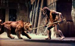 """Ray Harryhausen's Troglodyte and Sabertooth Tiger in """"Sinbad and the Eye of the Tiger"""" (1977)"""