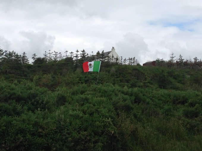 Trolling Trump with a Mexican flag
