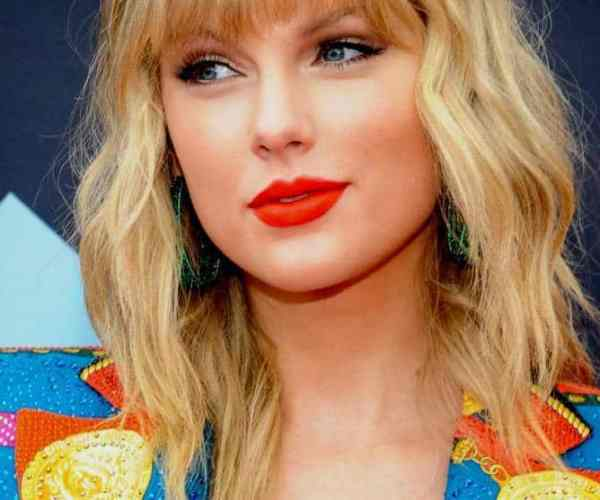 Taylor Swift announces another surprise album, 'Evermore'