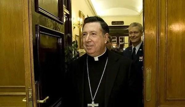 Military Archbishop, Juan Del Rio, Dies Of Covid