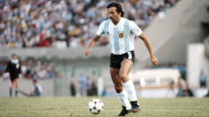 Soccer Player Leopoldo Jacinto Luque Dies At 71