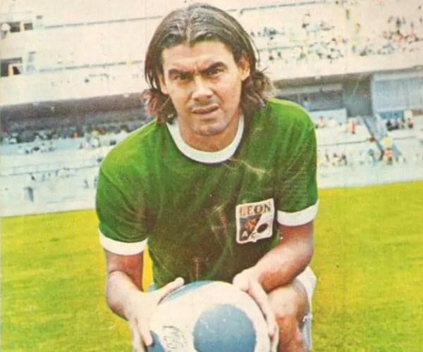 Soccer Player Rafael Albrecht Dies At 79.