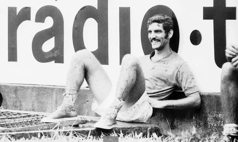 Former Santos Defender Rido Dies At 79