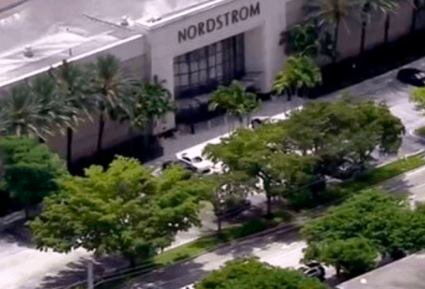 Alert In The Us For A Shooting In Aventura Mall, The Popular Shopping Center In South Florida