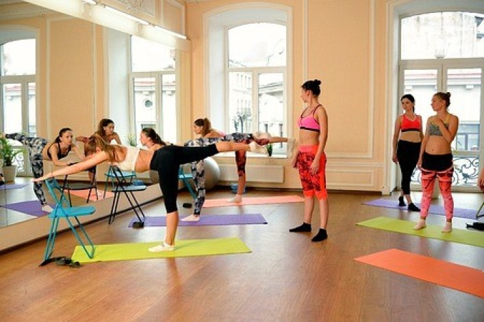yoga-for-beginners-6-tips-to-start-FB-small